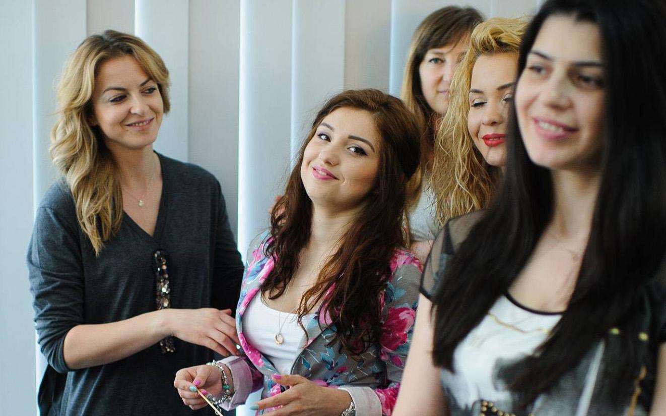 First Make Up School Lacramioara Tataru
