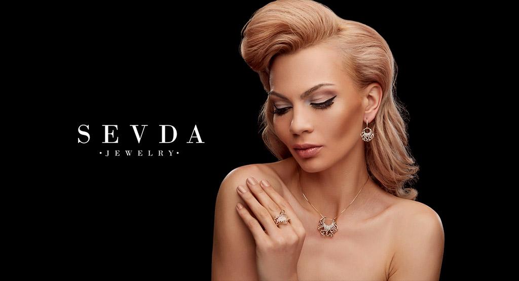 Sevda-Lacramioara-Tataru-makeup-artist-Constanta-sedinta-foto-bijuterii